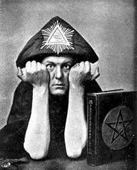 Crowley_in_Hat