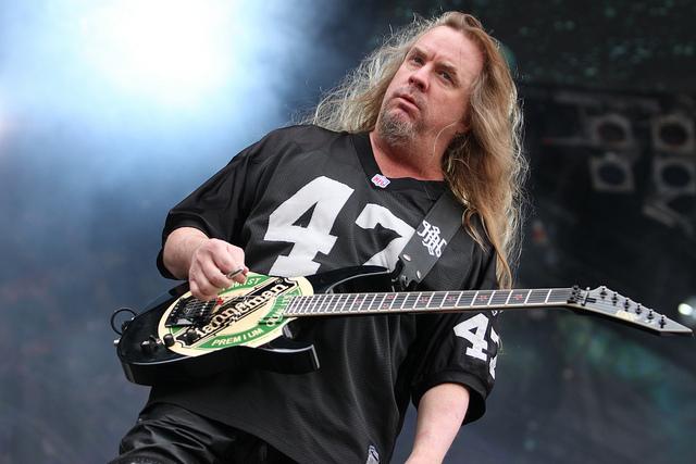 Founding Slayer Guitarist Jeff Hanneman Passes Away at Age 49